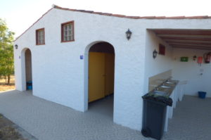 wc-douches-camping-alentejo-300x199_2017-11-07-2.jpg